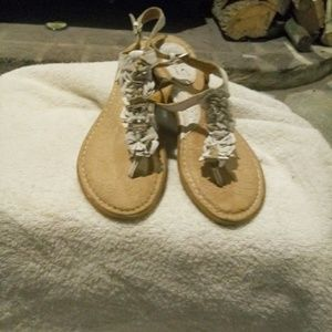 NWOT BOC sandal in cream leather